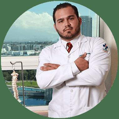 Ortopedista de Chiapas sonriendo