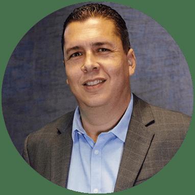 Ortopedista de Monterrey sonriendo