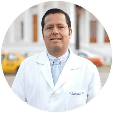 Ortopedista de Oaxaca sonriendo