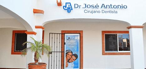 Dentista clinica exterior Los Cabos