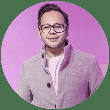 Cirujano Plastico de Tijuana sonriendo