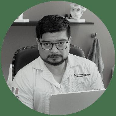 Ortopedista de Toluca sonriendo
