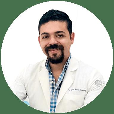 Urologo de Vallarta sonriendo