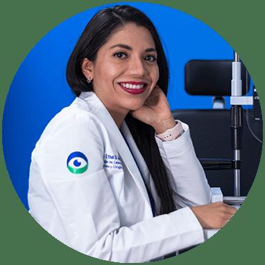 Oftalmologo de Boca del Rio sonriendo
